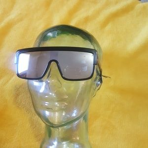 Accessories - Big frame mirror sunglasses